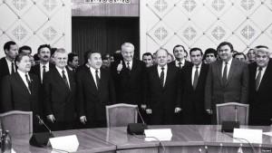 После подписания Протокола к Соглашению о создании СНГ. Казахстан, Алма-Ата.