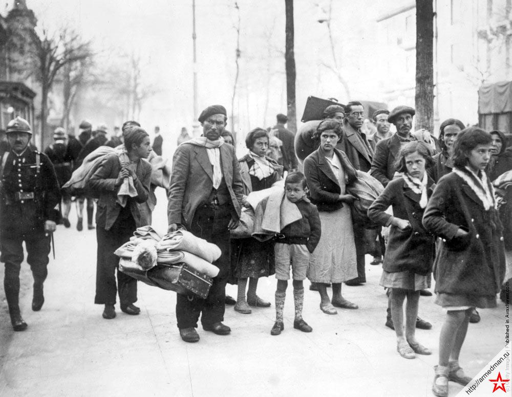 Испанские беженцы у французской границы